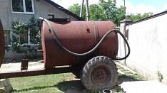Se vinde un butoi de 3 tone. complectatie motor, este pe rampa, metal, 3 furtunuri, se poate de tras Кишинёв мун.