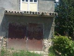 Продаю в селе Василеуцы двухэтажный кирпичный дом Бельцы мун.