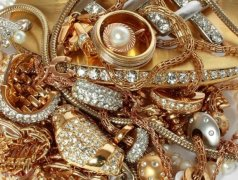 Personal necalificat pentru sortarea bijuteriilor Кишинёв мун.