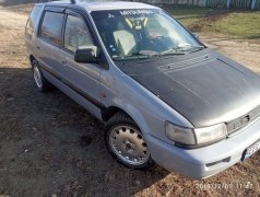 Mitsubishi Space Wagon Леова