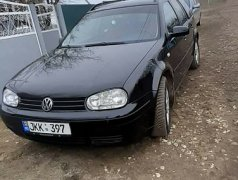 Volkswagen Golf Леова